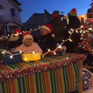Christmas Float R (4)